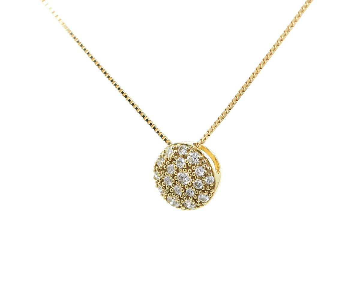 Círculo de oro blanco o amarillo cubierto de 17 diamantes corte brillante que suman 17 puntos en total.