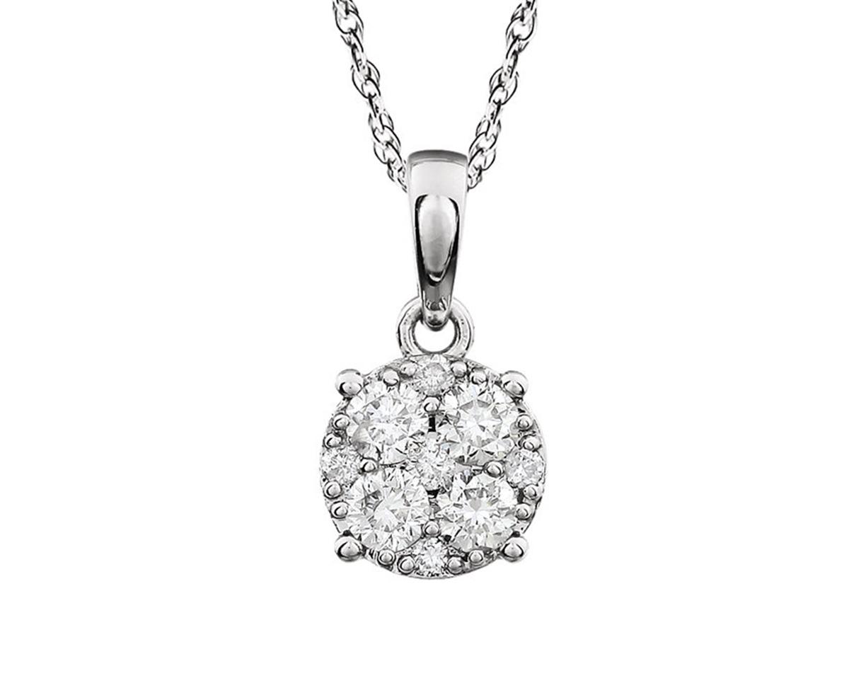 Colgante Cluster  Producto Oro blanco y 9 diamantes corte brillante de 30 pts en total. No incluye cadena.