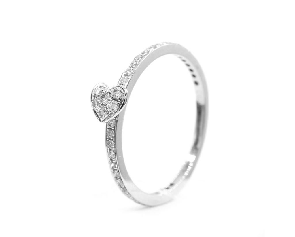 Anillo Corazon oro Blanco con diamantes
