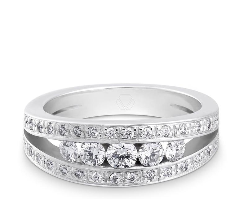 Anillo de compromiso modelo Hodaya 1  Producto Oro Blanco 18k o Platino con diamantes.