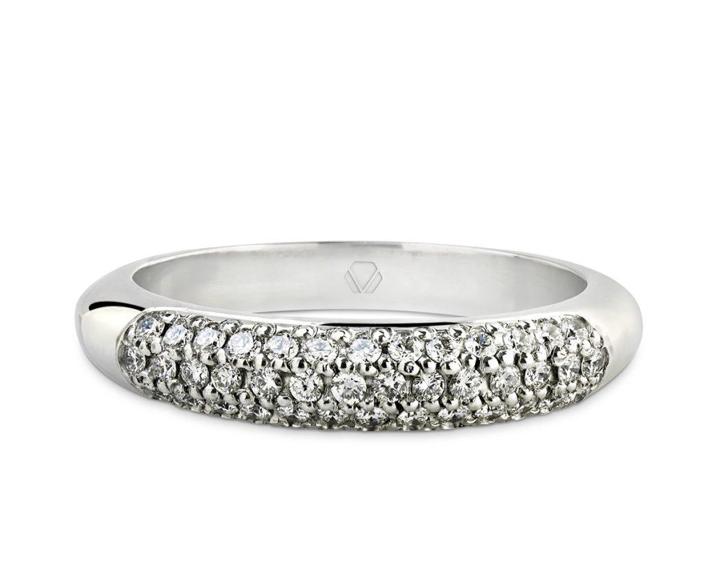 Anillo de compromiso modelo plenty oro blanco con diamantes 1