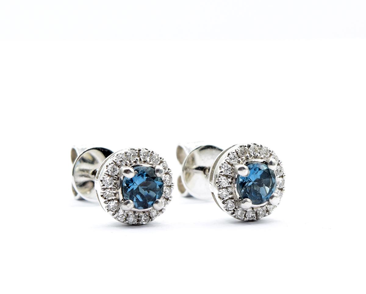 Aros London Blue 2  Producto Oro Blanco 18k, 2 Topacios London Blue brillante y Diamantes.