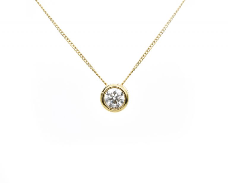 Punto De Luz Destello de Oro Amarillo con un Diamante Brillante de 15 puntos