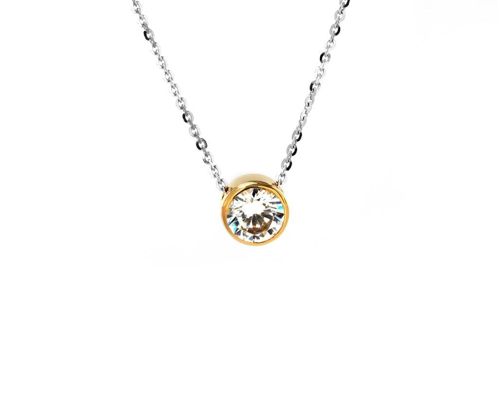 En Oro Amarillo con cadena de oro blanco con una Moissanita de 50 puntos