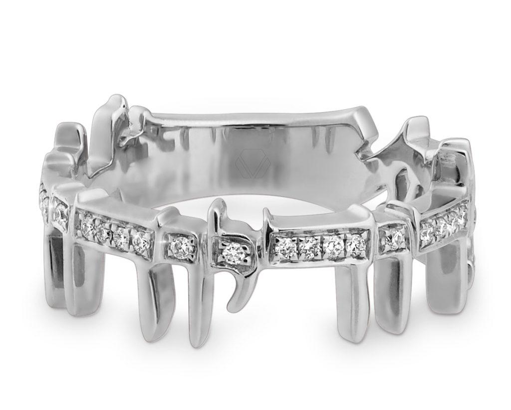 Oro Blanco de 18k más 39 Diamantes brillante que suman 14 pt. Talla 12