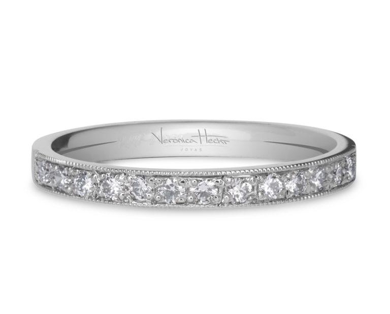 anillo de compromiso modelo cintillo rule 3  Producto La clásica belleza del cintillo Rulé lo hacen una joya altamente valorada. Una estructura firme, cómoda y funcional, delicadamente embellecido con diamantes.