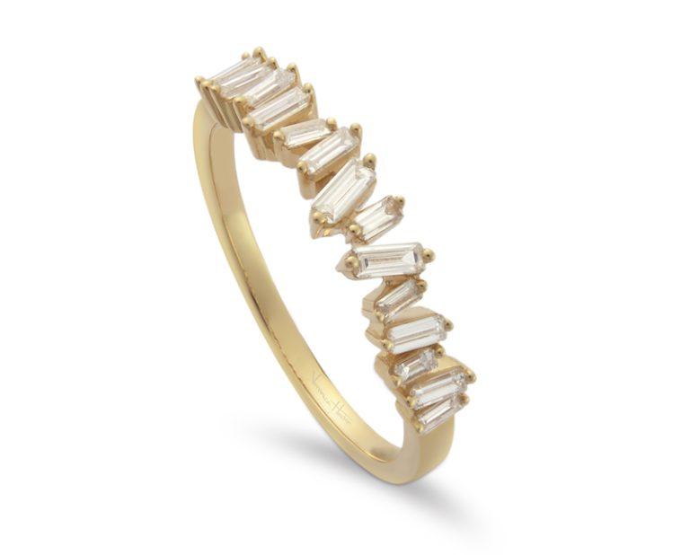 anillo de compromiso modelo cintillo baguette asimetrico 1 Entrada