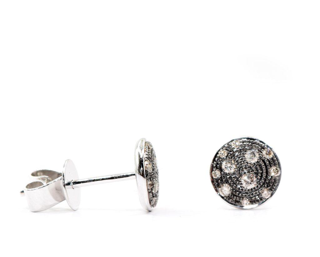 Aros Oro Blanco 18k y 8 Diamantes que suman 15 pt