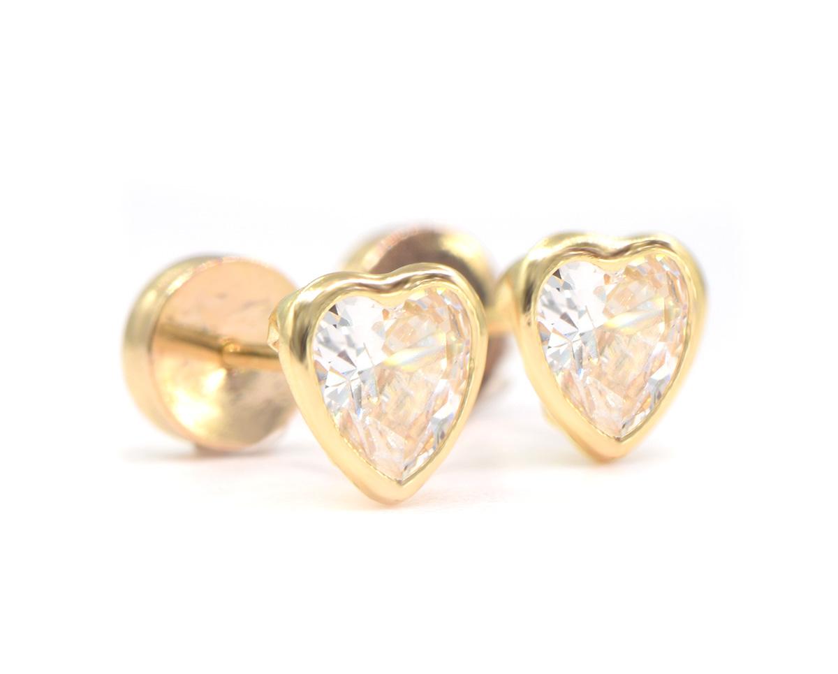 Aritos de Bebe oro amarillo corazon