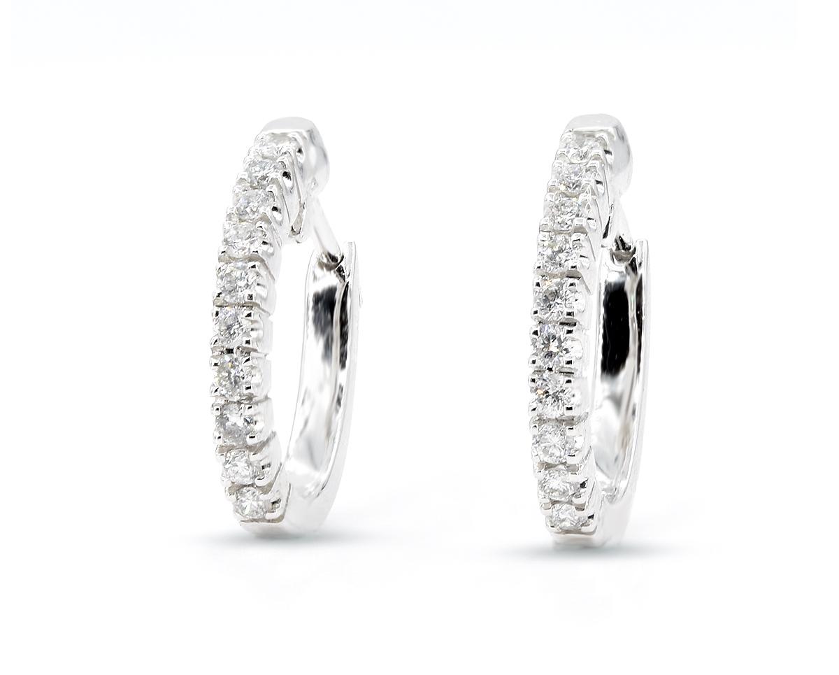 Aros de Oro Blanco 18k, con Diamante