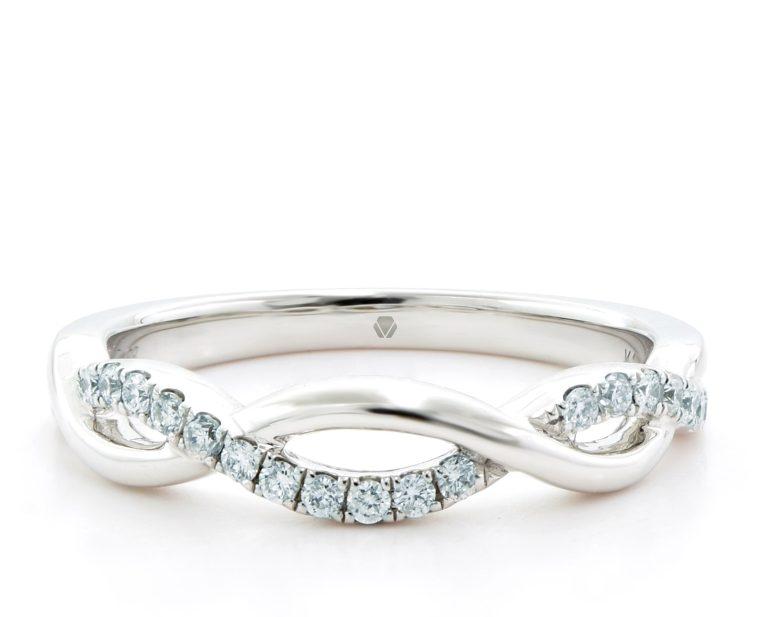 Anillo Cintillo Afinity Oro Blanco 18k, con 19 Diamante brillante que suman 16 pt